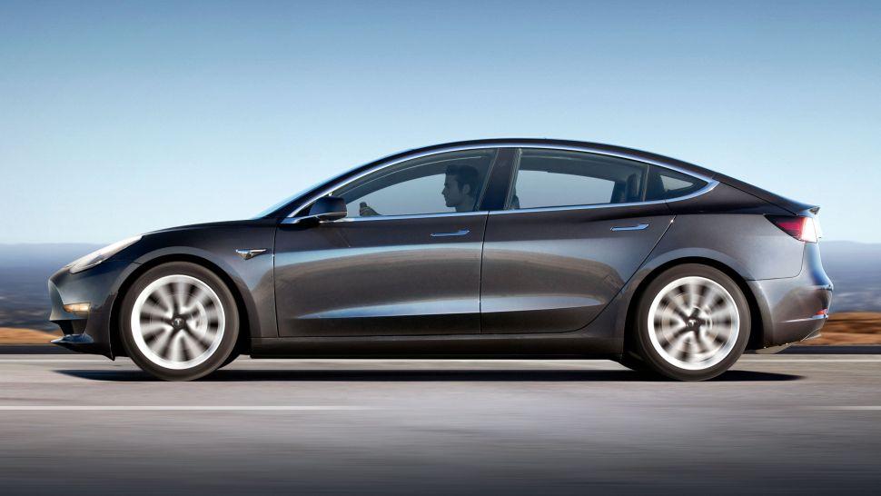 ewKVBpB8eZgvE3Zc8sUmm6 970 801 - Tesla Model S против Tesla Model 3: какой седан Tesla стоит купить?