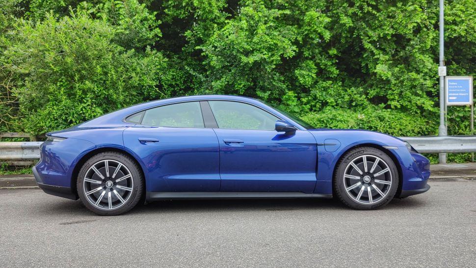 MbRs2CtfJoou5Xnuawe74a 970 801 - Обзор Porsche Taycan 4S: если у вас достаточно глубокие карманы, это превосходный электромобиль