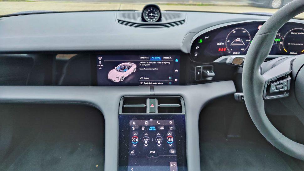 dkCJyG9gduBwqh8RvoX3Bb 970 801 - Обзор Porsche Taycan 4S: если у вас достаточно глубокие карманы, это превосходный электромобиль