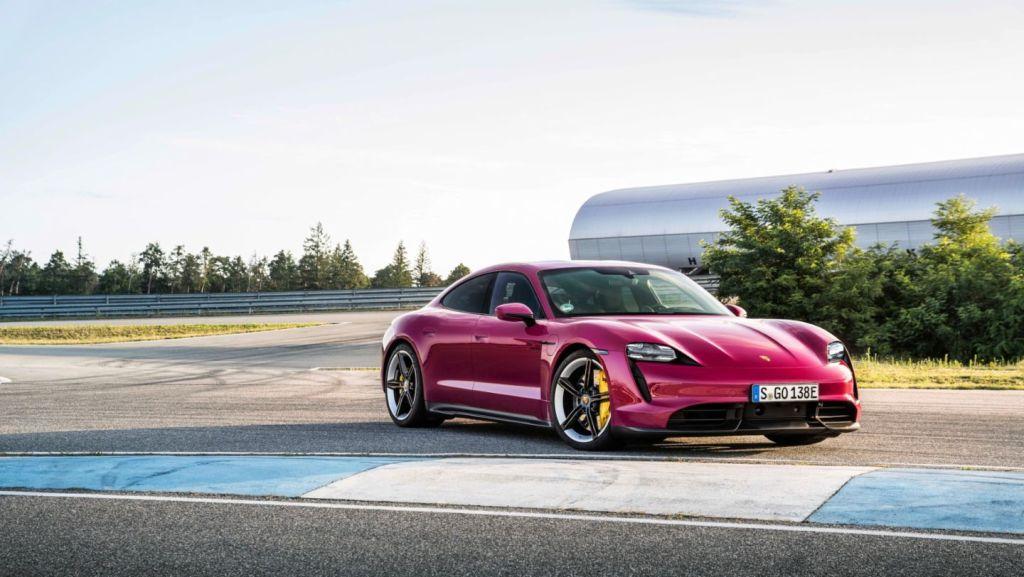 eMuKFbHVgmrDSrHMZbV5hH 1024 801 - Porsche Taycan 2022 года получит техническое обновление и новые дикие цвета
