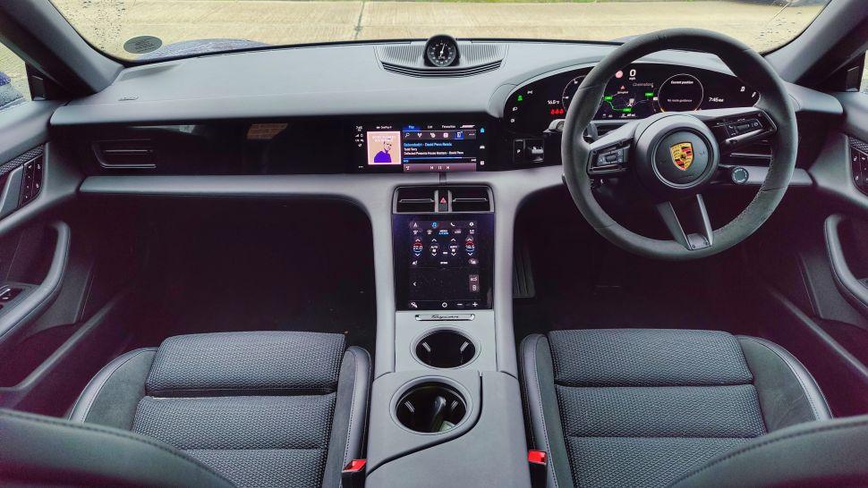 njbRkL6bhdGbQAWy7TMJHc 970 801 - Обзор Porsche Taycan 4S: если у вас достаточно глубокие карманы, это превосходный электромобиль