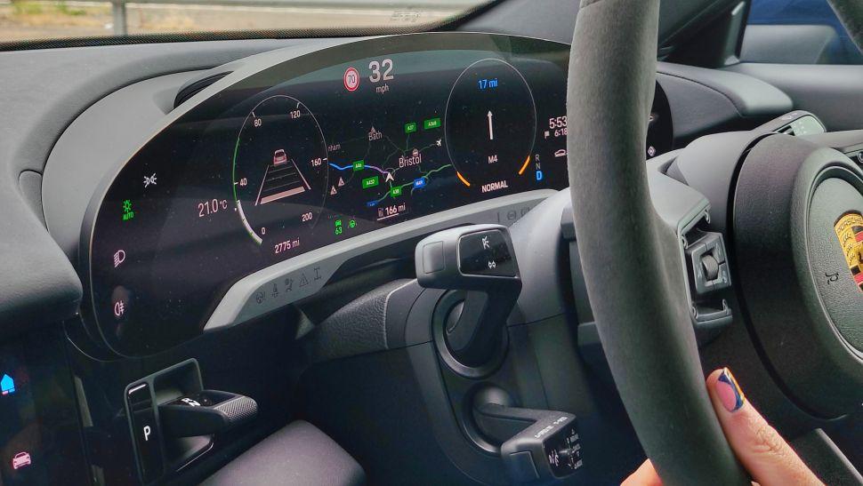 r97cAKqAUrkhTqMcipjGJY 970 801 - Обзор Porsche Taycan 4S: если у вас достаточно глубокие карманы, это превосходный электромобиль