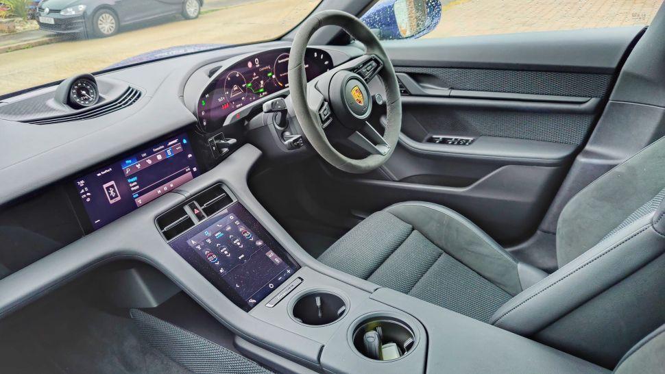 uiJyeZ7kEv3rCubQTmqjWb 970 801 - Обзор Porsche Taycan 4S: если у вас достаточно глубокие карманы, это превосходный электромобиль