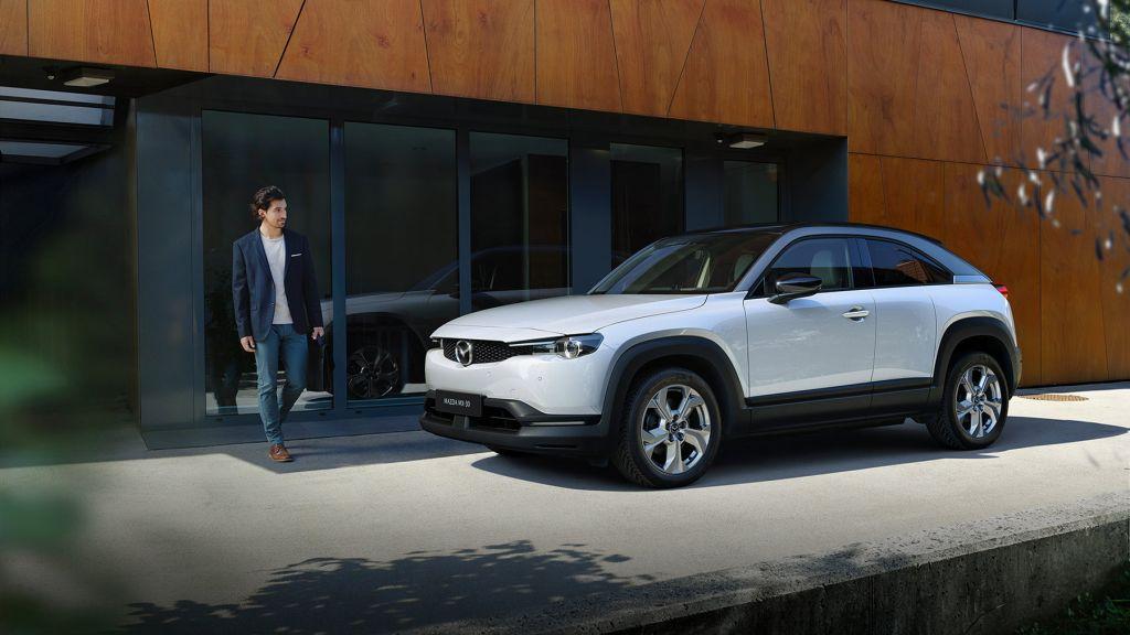 qSxUwJngKuSi9DWV282QFj 1024 801 - Mazda MX-30 - это электромобиль, который вы можете себе позволить, но запас хода может быть проблемой