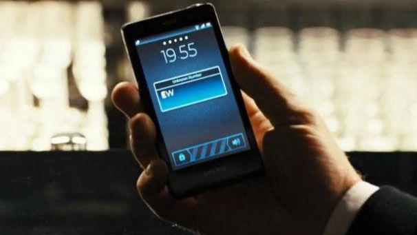 """P82jCnGHWYYMmuuejqVwiV 970 801 - Все телефоны Джеймса Бонда, которые он когда-либо использовал в фильмах, вплоть до """"Не время умирать"""""""