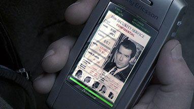"""mXP3DsCqWmjGRr6mtkvorc 970 801 - Все телефоны Джеймса Бонда, которые он когда-либо использовал в фильмах, вплоть до """"Не время умирать"""""""